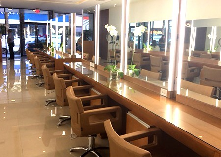 Inside Esmell Salon
